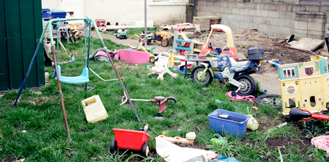 Backyard Cleaning 5 tips for cleaning up your backyard for summer - green clean junk